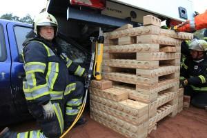 PKW unter LKW - rescueDAYS 2010