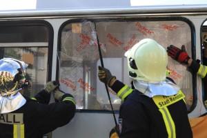 Busrettung (Fensterscheibe entfernen)