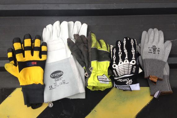 Verschiedenste Ausfürhungen von THL-Handschuhen nach EN388
